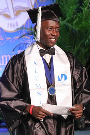 Alumni wearing MDC stole